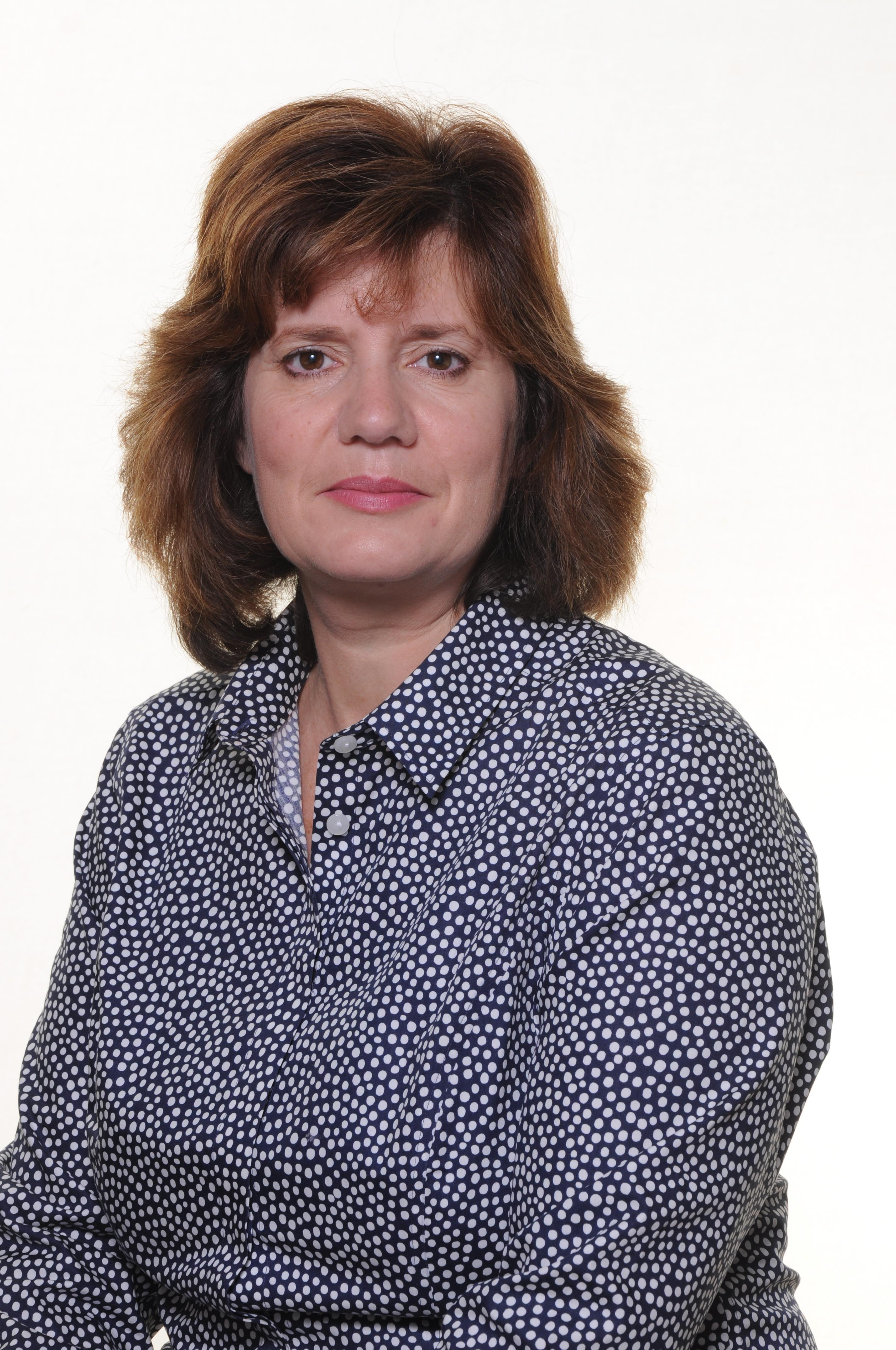 Mrs R Bates